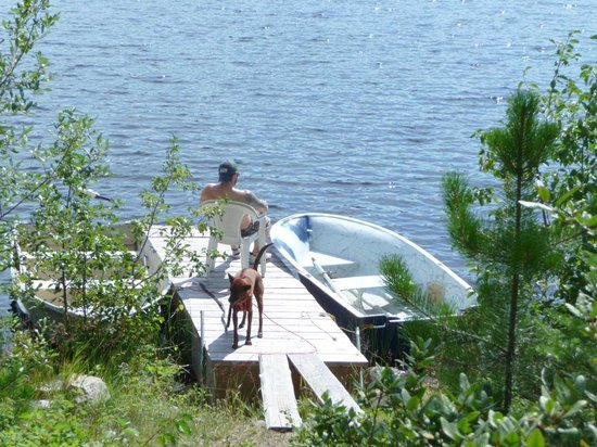 Thuya Lakes Lodge: relaxing by Thuya lake, right by cabin
