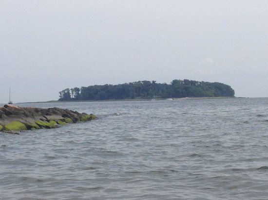 Silver Sands State Park: Island
