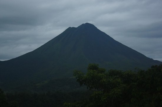 The Springs Resort and Spa : view of volcano at 5:30am