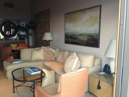The Resort at Pelican Hill: Living Room Couch in Bungalow Suite
