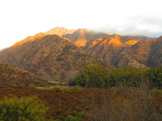 Hosteria Valle Fertil: Montañas cercanas