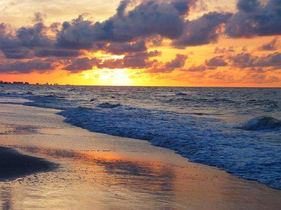 كارولينا ويندز: Sun rise @ 6am