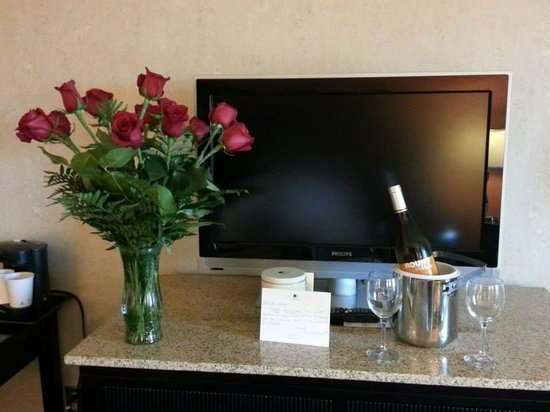 DoubleTree by Hilton Springfield: A Happy Anniversary!  Thank you.