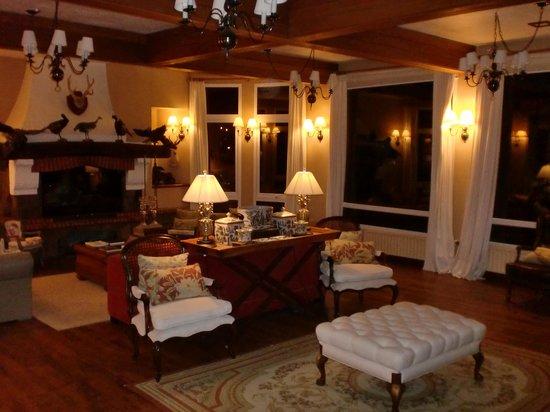 Hotel Estalagem St Hubertus: Sala de estar do hotel