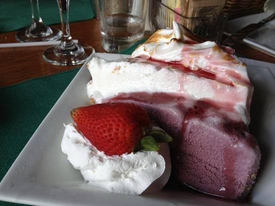 Big Meadows Lodge Dining: Blackberry Ice Cream Pie-The Best