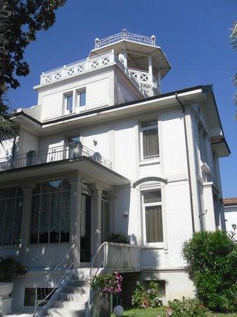Villa Delle Palme: Vue extérieure