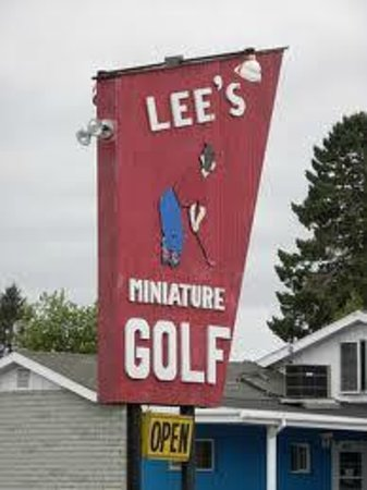 ‪Lee's Miniature Golf‬
