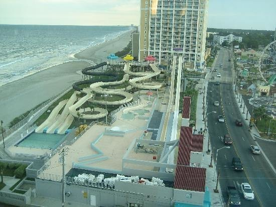 Econo Lodge Inn & Suites Beach: Amazing view , has alot of cool things around For the kids & families to enjoy as well as couple