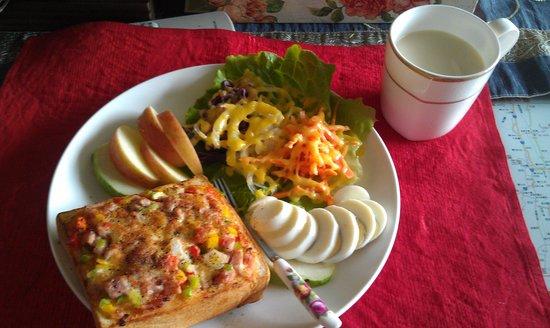 Maximo Oliveros Lotus Core B&B: 没味早餐