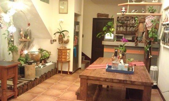 Maximo Oliveros Lotus Core B&B: 有特色的客厅