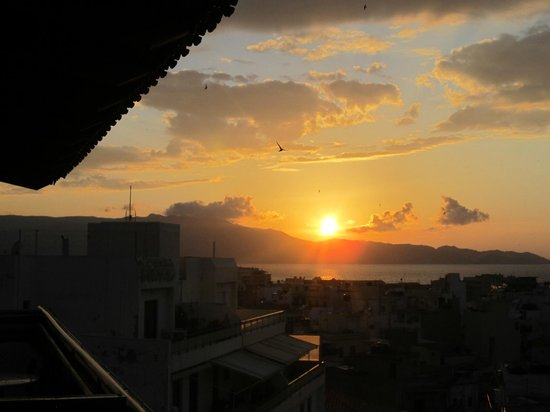 Iraklion Hotel: sunset