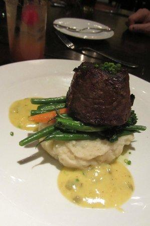 Edward Street Bistro: Beef Tenderloin