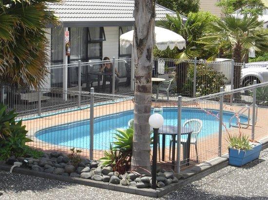 Mana-Nui Motel: Mana-Nui Pool area
