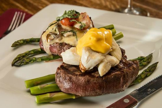 The Fish House: Filet Duo