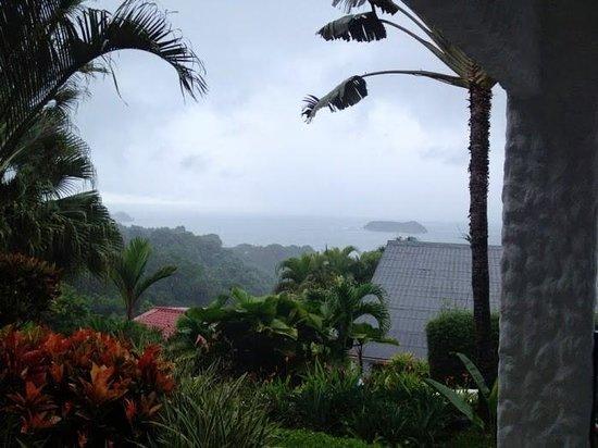 Hotel Villa Roca: rainy