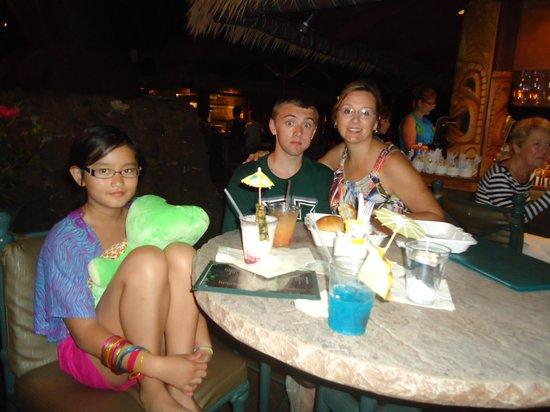Tiki Terrace Restaurant: Me and Kids