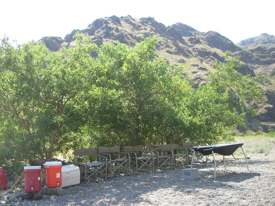 Hells Canyon Raft: Chairs at camp