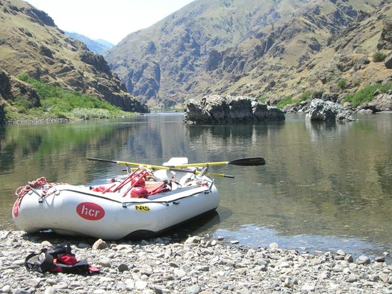 Hells Canyon Raft: Sturgeon Rock