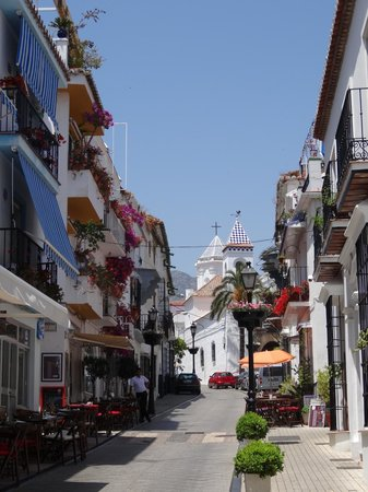 Hotel La Morada Mas Hermosa: the pedestrian alley near the hotel