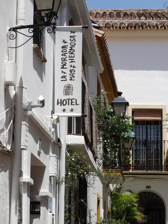 Hotel La Morada Mas Hermosa: located on a little alley, off from the main pedestrian street