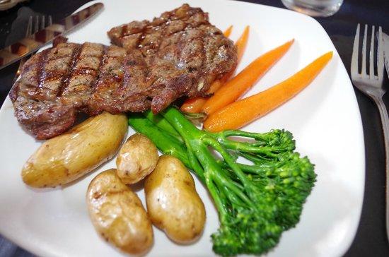 Angelo's Steakhouse Italiano: Steak