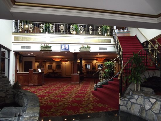 Royal Regency Hotel: Main entry