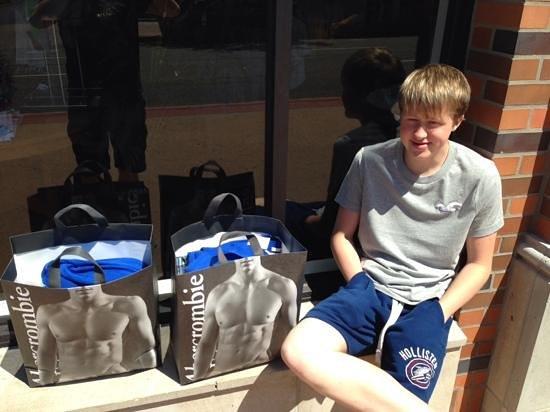 Hampton Inn & Suites- San Luis Obispo: my son with his shopping