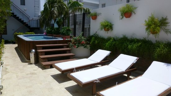 Casa de Isabella - a Kali Hotel: Pool deck.