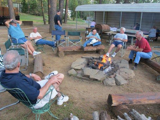 Yosemite Westlake Campground and RV Park : The Campfire