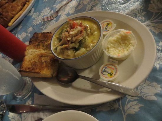 Mo's Grill & Diningroom: Seafood chowder