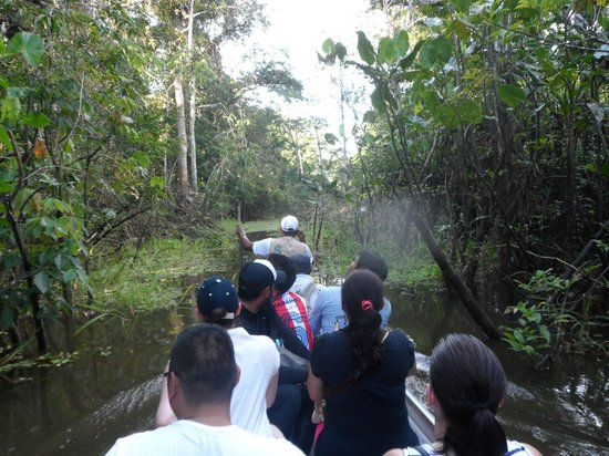 Reserva Natural Marasha: Taking a canoe out of the reserve.