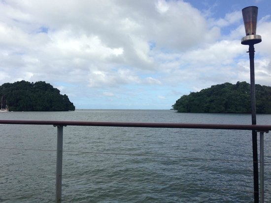 Novotel Suva Lami Bay : Deck overlooking the bay
