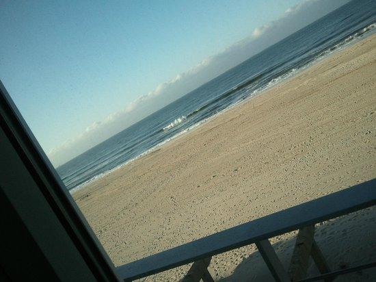 Allegria Hotel : when i say right on the beach....ahhhh