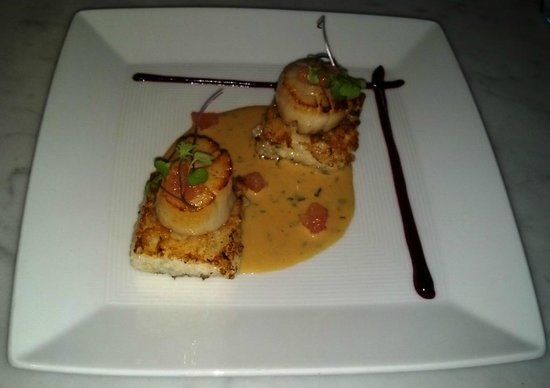 Chalkboard : Seared Scallops on Risotto Cakes