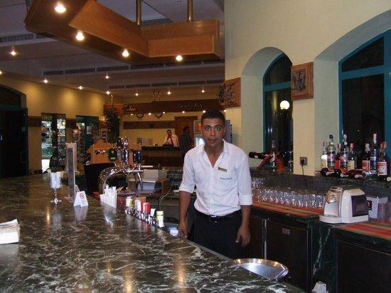Falcon Hills Hotel: Karim Bar staff