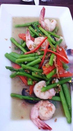 Pahn-Thai Restaurant: GOONG PHAD NOR MAI FARANG - Stir-Fried Asparagus with Shrimps