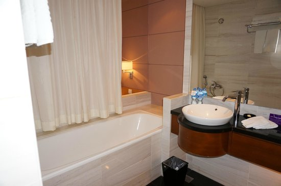 PARKROYAL Saigon: View of one side of bathroom