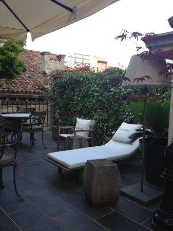Palazzina G: Upstairs outside patio