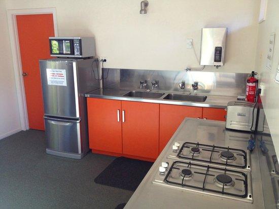 Picton Campervan Park: Communal Kitchen