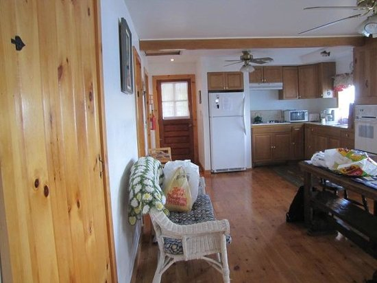 Angel Rock Cottages: Green Cedar Cottage, Interior