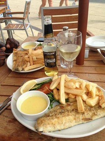 HMS Hinchinbrook: Grilled haddock and grilled cod. Good, fresh food.