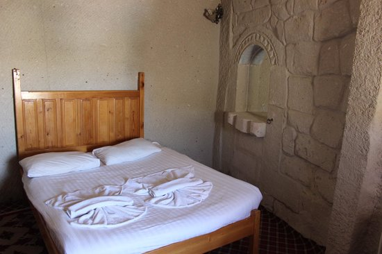 Cave Life Hotel: Номер маленький, но не тесный