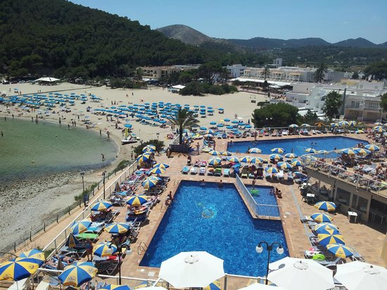 Sirenis Cala Llonga Resort: Desde la terraza