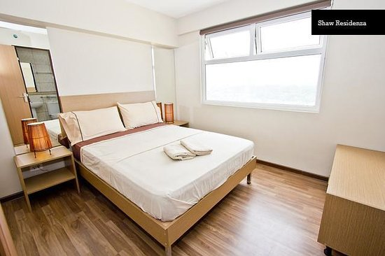 Functional Kitchenette Dining Area Picture Of Shaw Residenza Suites Mandaluyong Tripadvisor