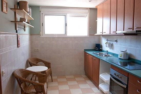 Bed and Beach Barcelona Guesthouse: Estudio Kitchen
