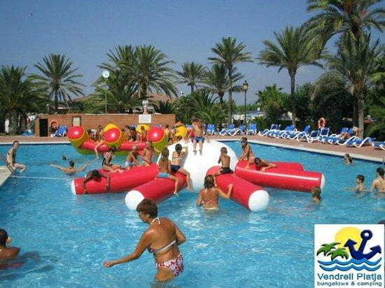 Vendrell Platja: Fiesta acuática en la piscina