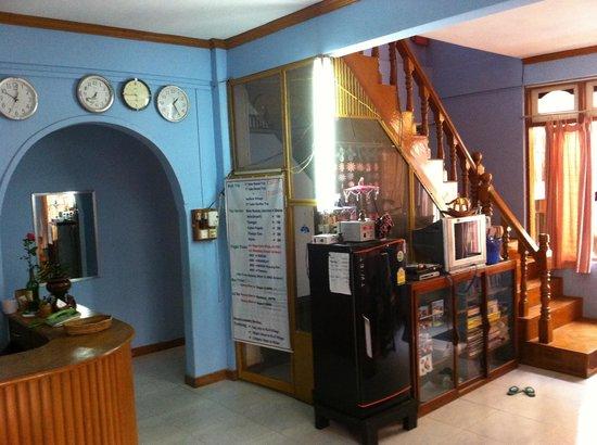 Gypsy Inn: Reception & Lobby