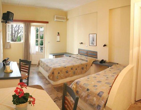 Hotel Vidalis: triple room