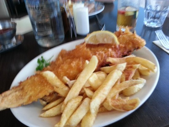 Fishermans Wharf: Cod and Chips (medium)