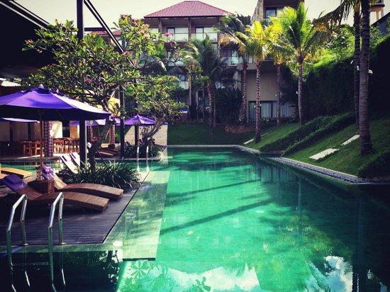 Taum Resort Bali: Pool View 1
